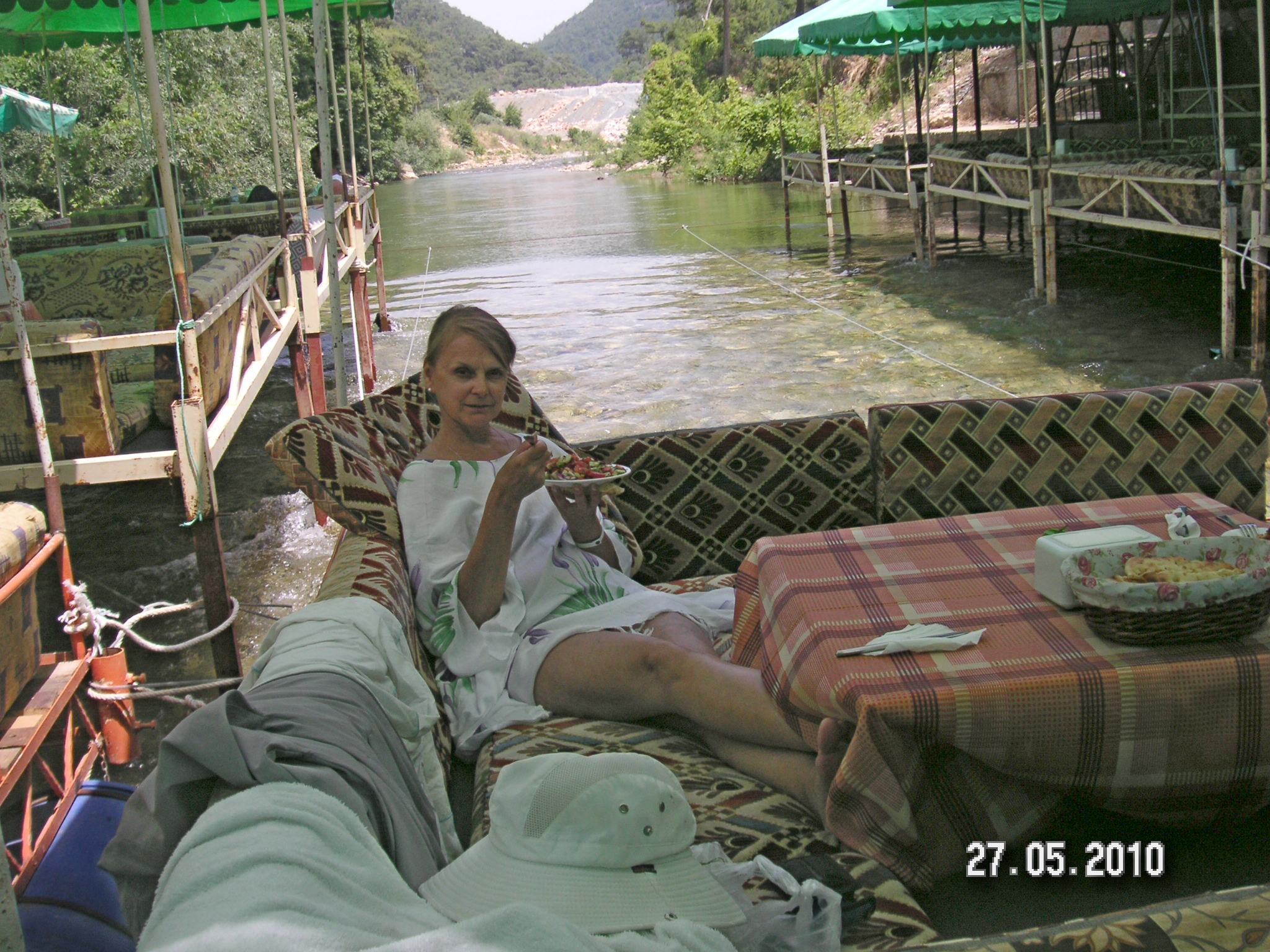 С женой на реке фото 2 фотография