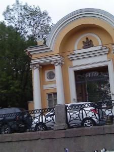 progulki-po-rekam-i-kanalam-peterburga