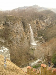 exkursiya-na-medovie-vodopadi