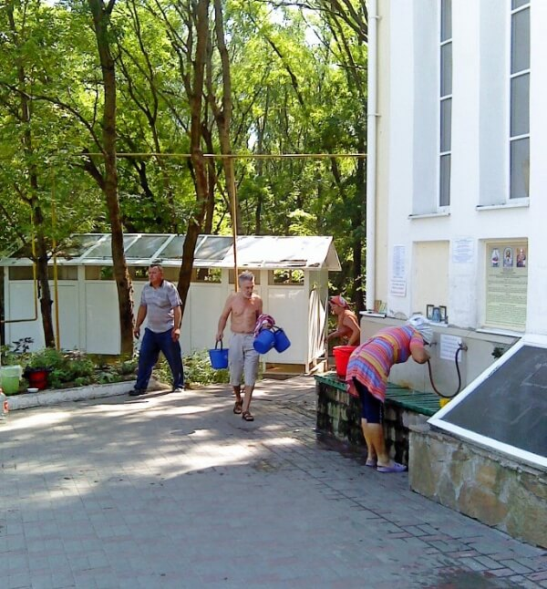 источник возле храма в Петровке