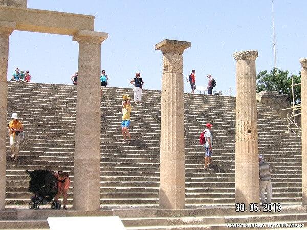 Античные колонны на Родосе